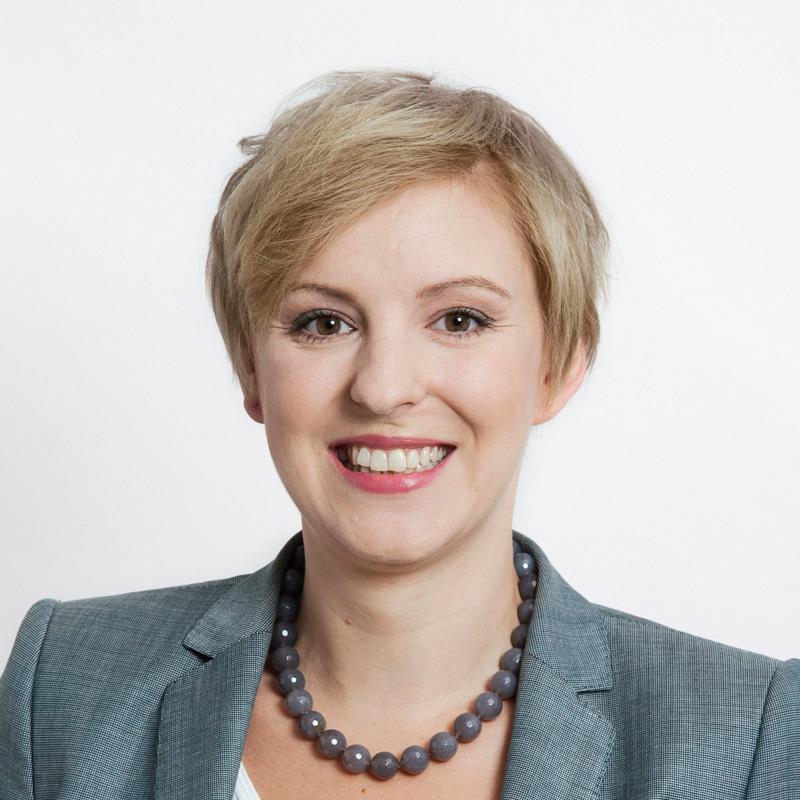 Dr. Nicole Szesny-Mahlau